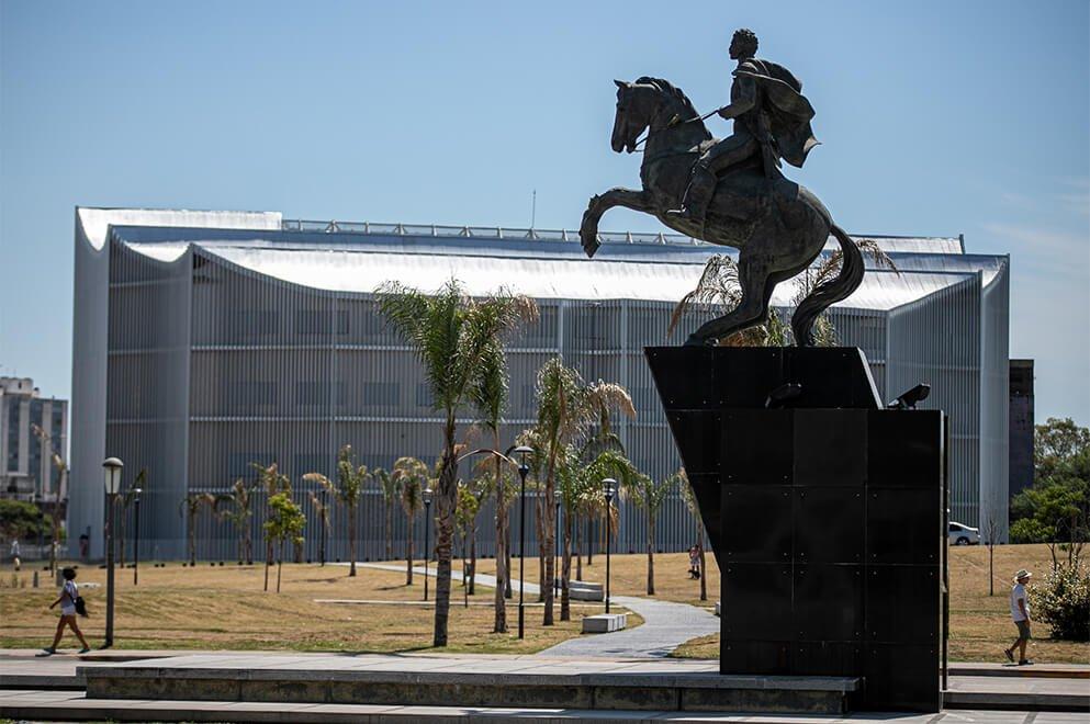 Monumento a Juan Bautista Bustos, Centro Cívico