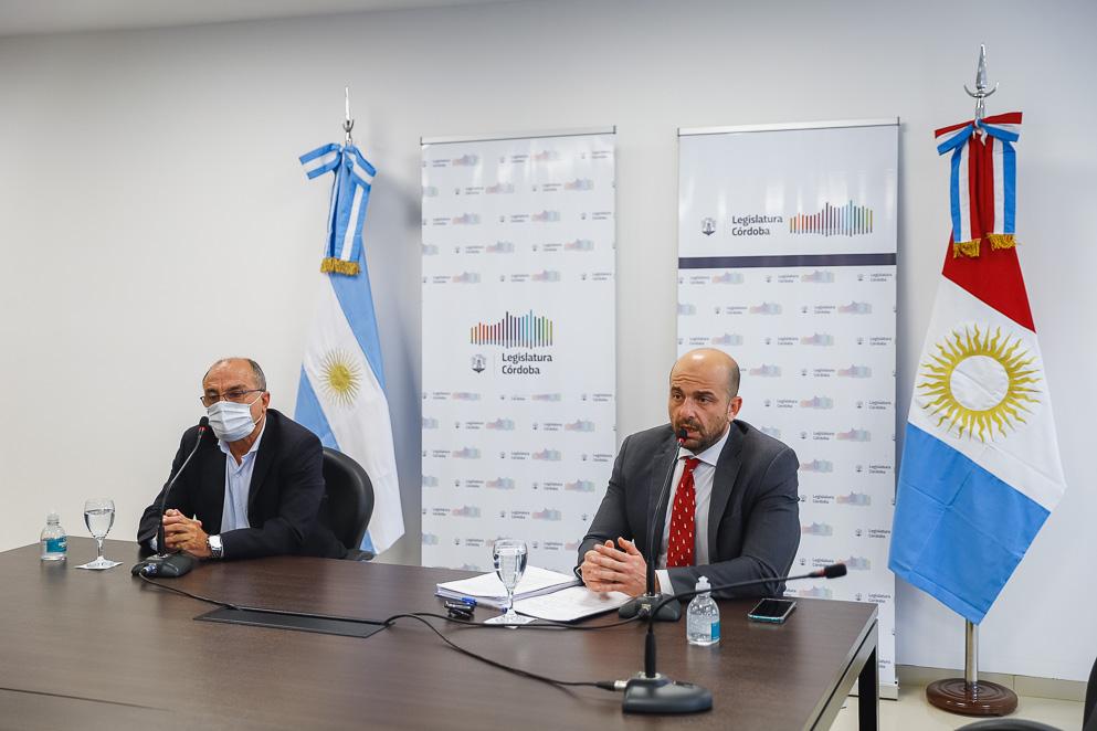 El secretario de Transporte participó de la comisión de Servicios Públicos.