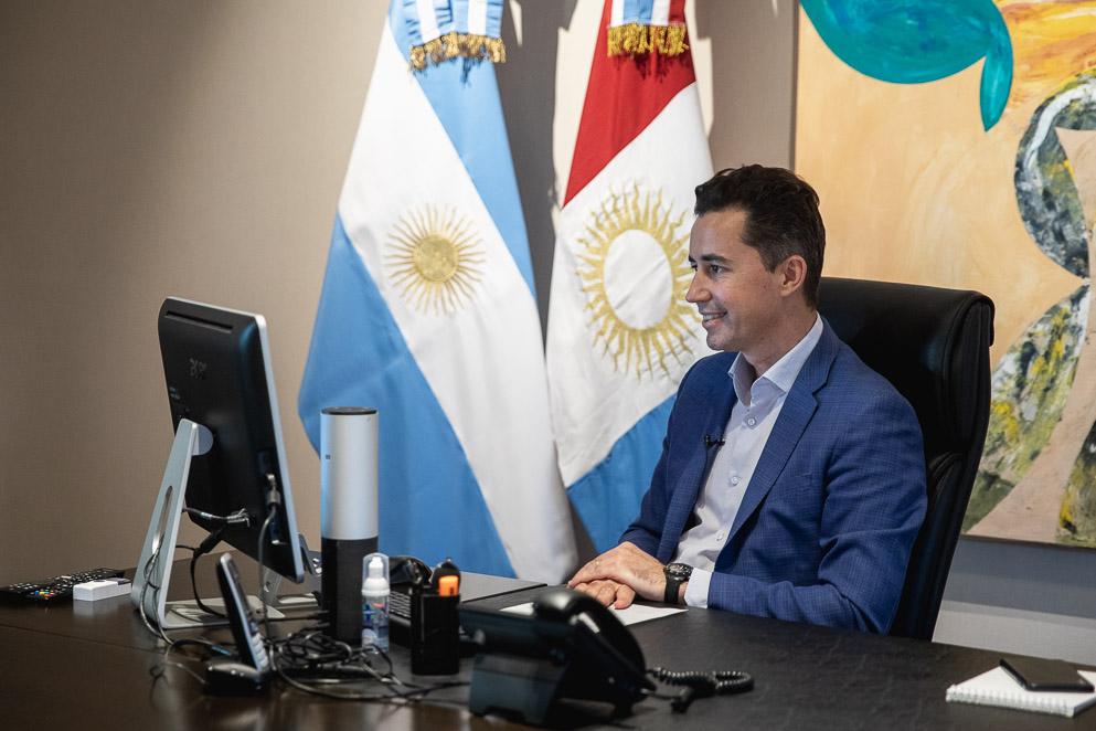 Manuel Calvo inauguró la Diplomatura en Poderes Legislativos y Procedimiento Parlamentario