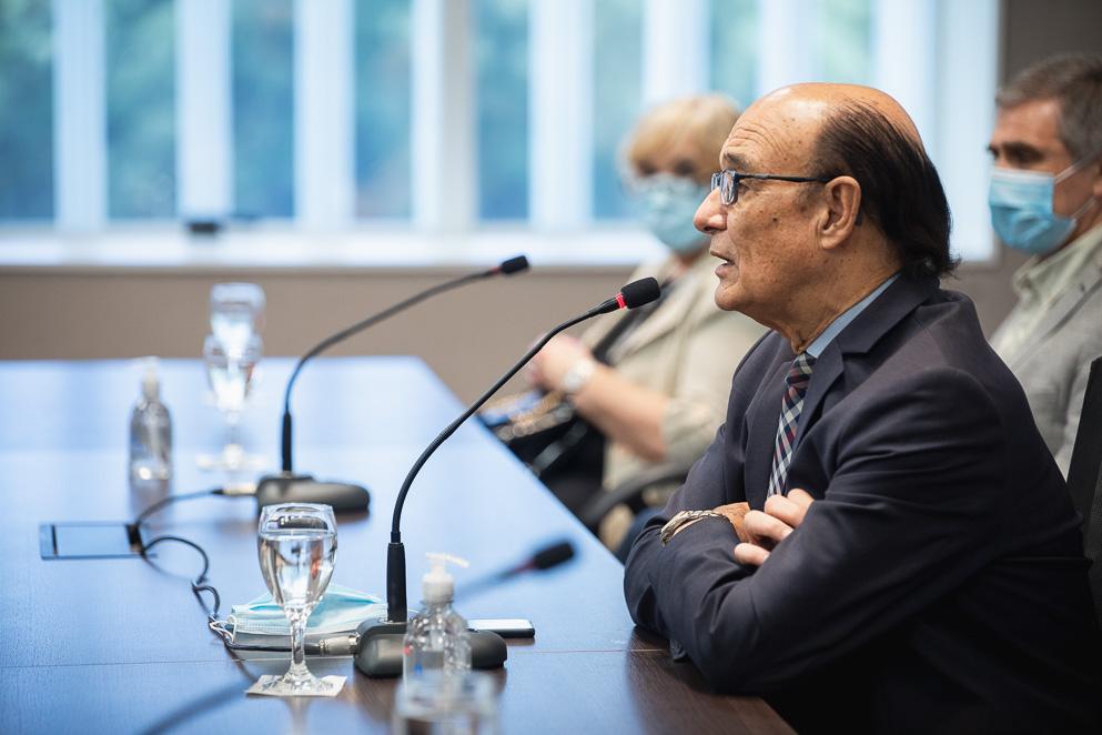 Legislador Oscar González