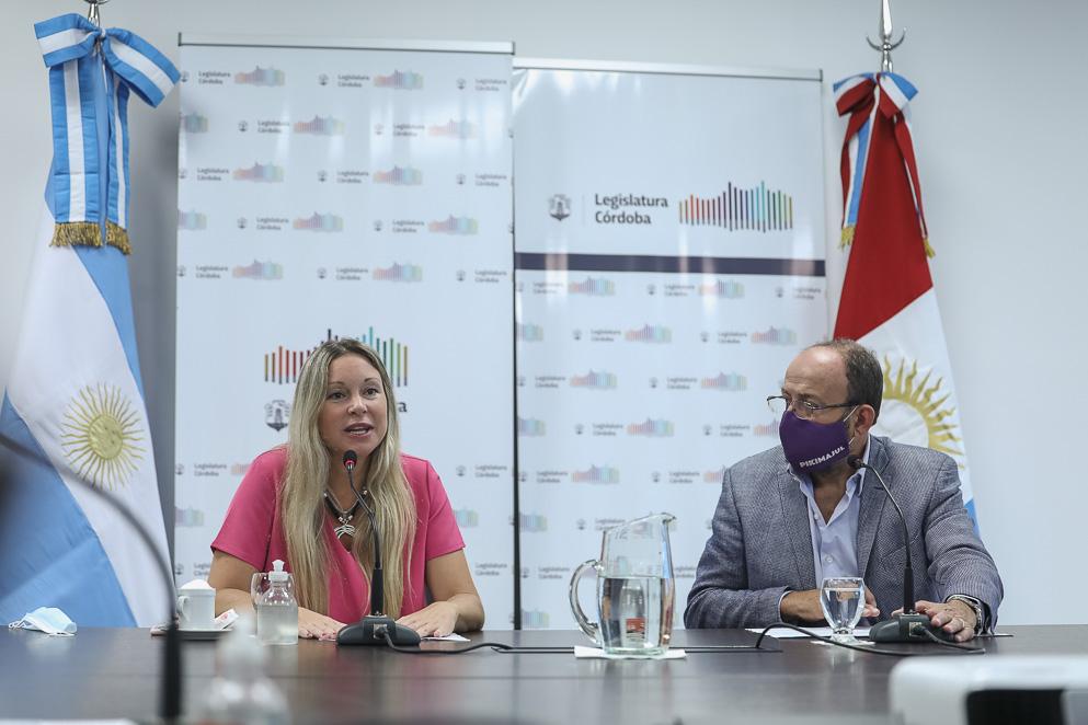 Legisladora Julieta Rinaldi y legislador Miguel Ángel Majul