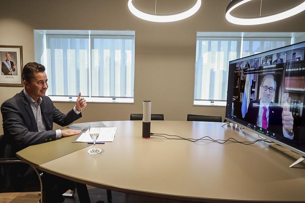 Calvo pidió profundizar la colaboración con EEUU en materia tecnológica