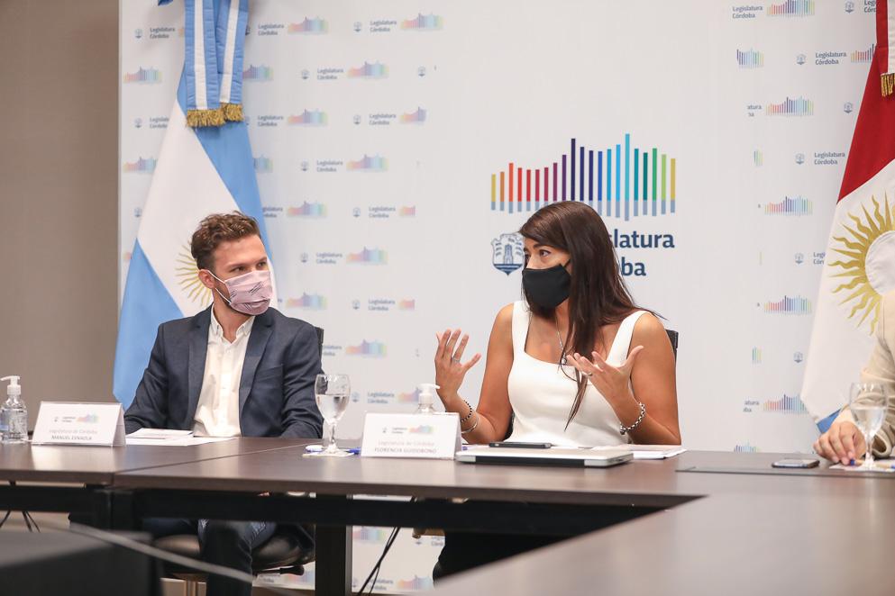 Manuel Esnaola y Florencia Guidobono