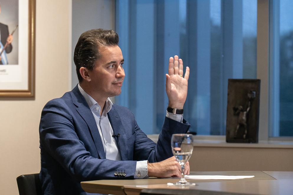 Calvo presentó ante el FOVIRA su Plan de Conectividad Interprovincial