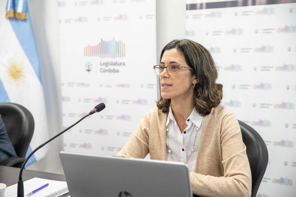 Sofía Devalle, directora Técnica de Presupuesto de la Legislatura