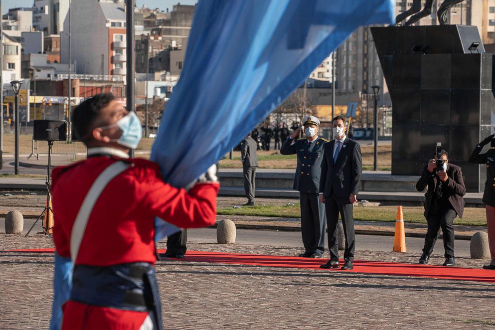 Calvo participó de los actos oficiales del 9 de Julio por el Día de Independencia